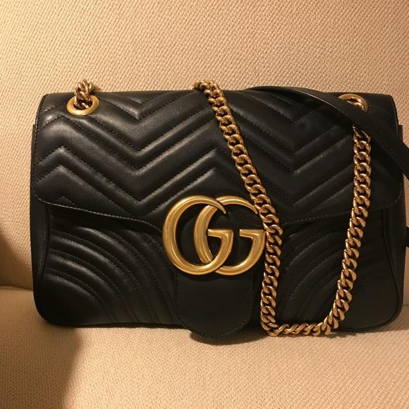 87fc38a9a1a Gucci Handbags - Authentic Gucci GG Medium Marmont Shoulder Bag